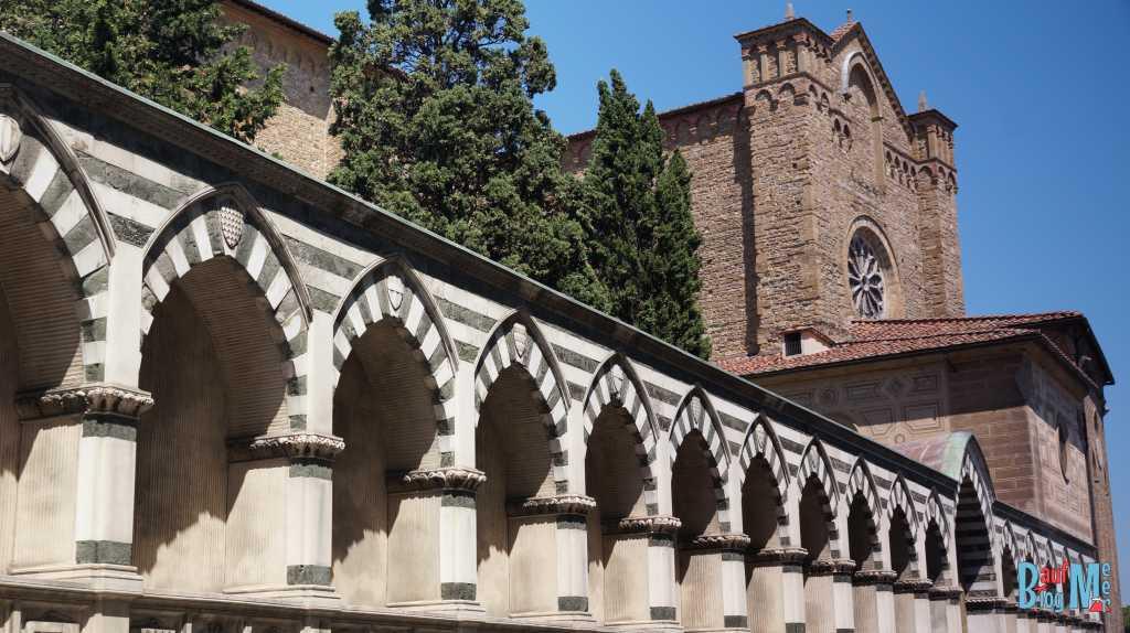 Fassade der Basilika di Santa Maria Novella in Florenz