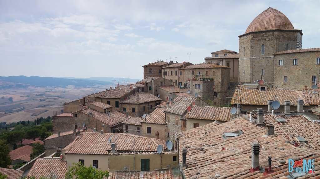 Ausblick über die Dächer von Volterra