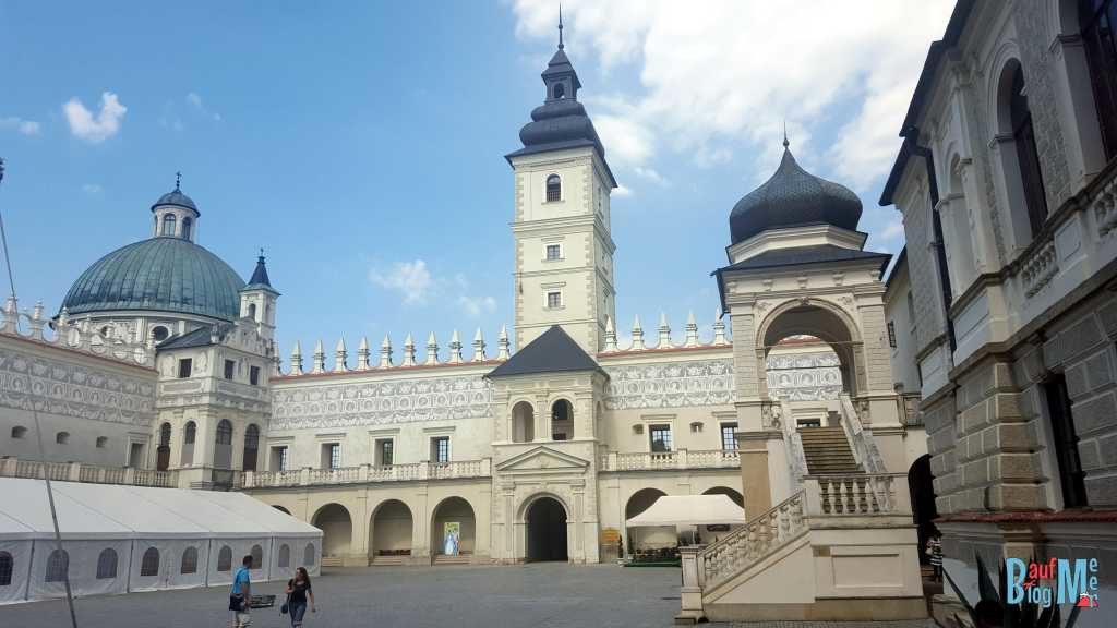 Innenhof der Burg Krasiczyn im Osten Polens