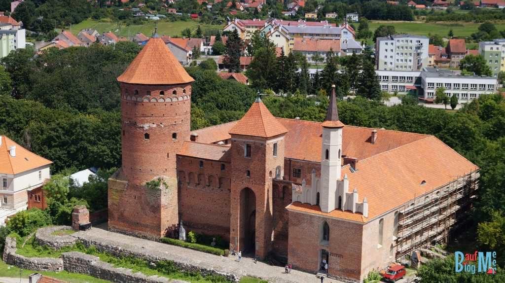 Schloss Reszl mit Folterwerkzeugaustellung