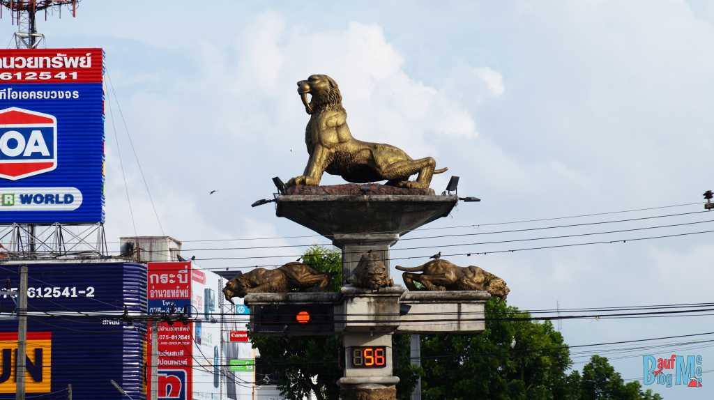Typische Ampelanlage in Krabi-Stadt