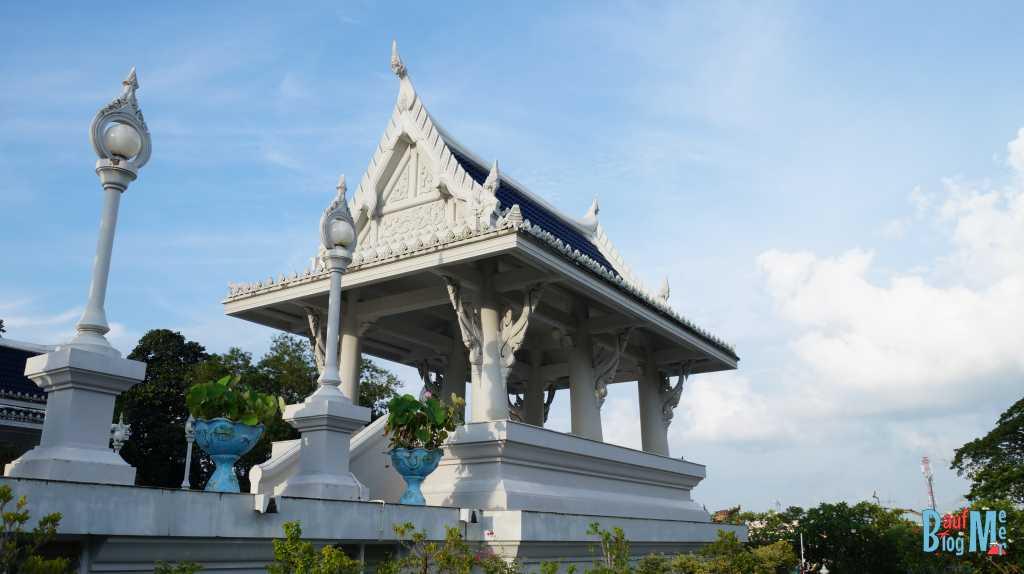 Wat Kaew Korawaram Tempel in Krabi-Stadt