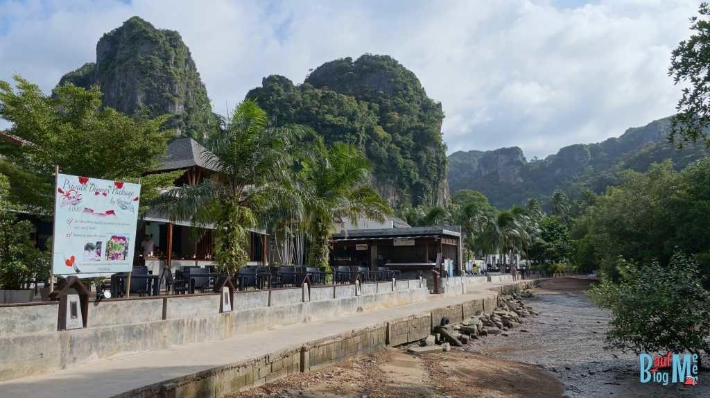 Blick nach rechts: Beton