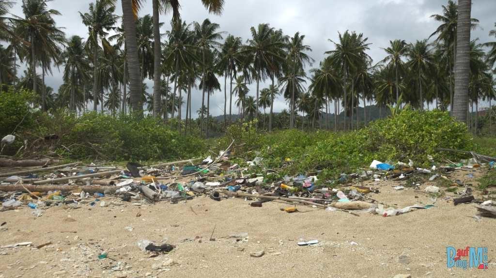 Noch mehr Müll am Hat Khlong Khong