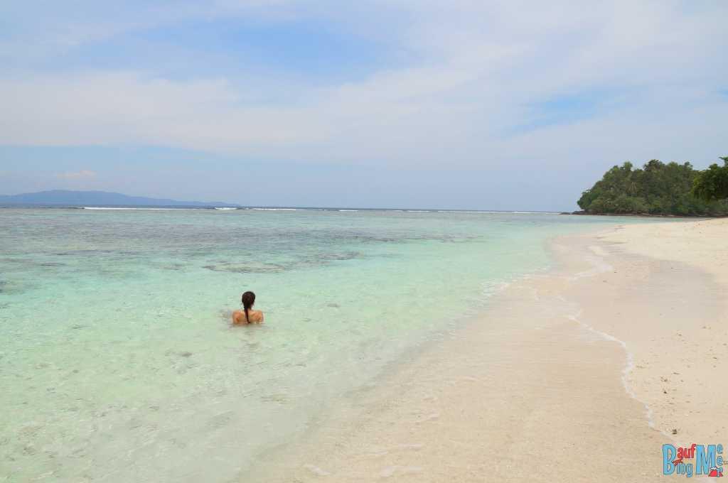 Abkühlung im wunderbar klaren indischen Ozean
