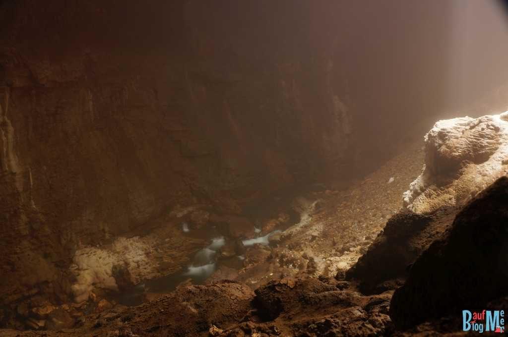 Fluss in der Goa (Höhle) Jomblang