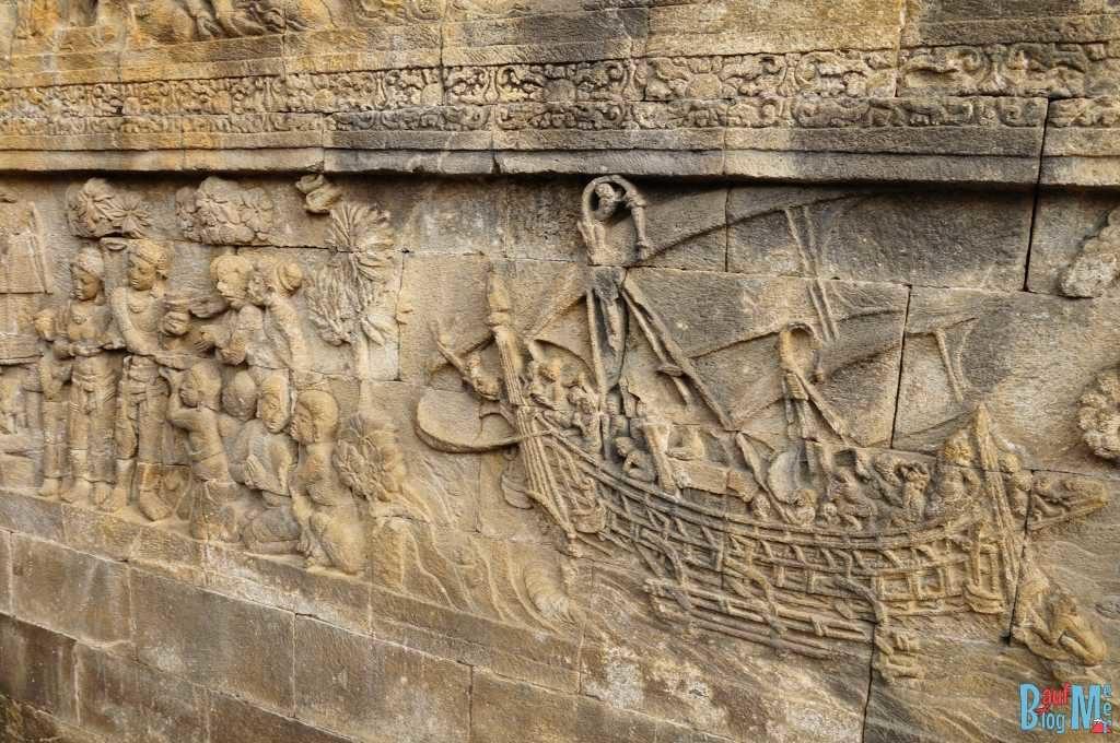 Reliefs auf den Mandala Ebenen des Borobodur