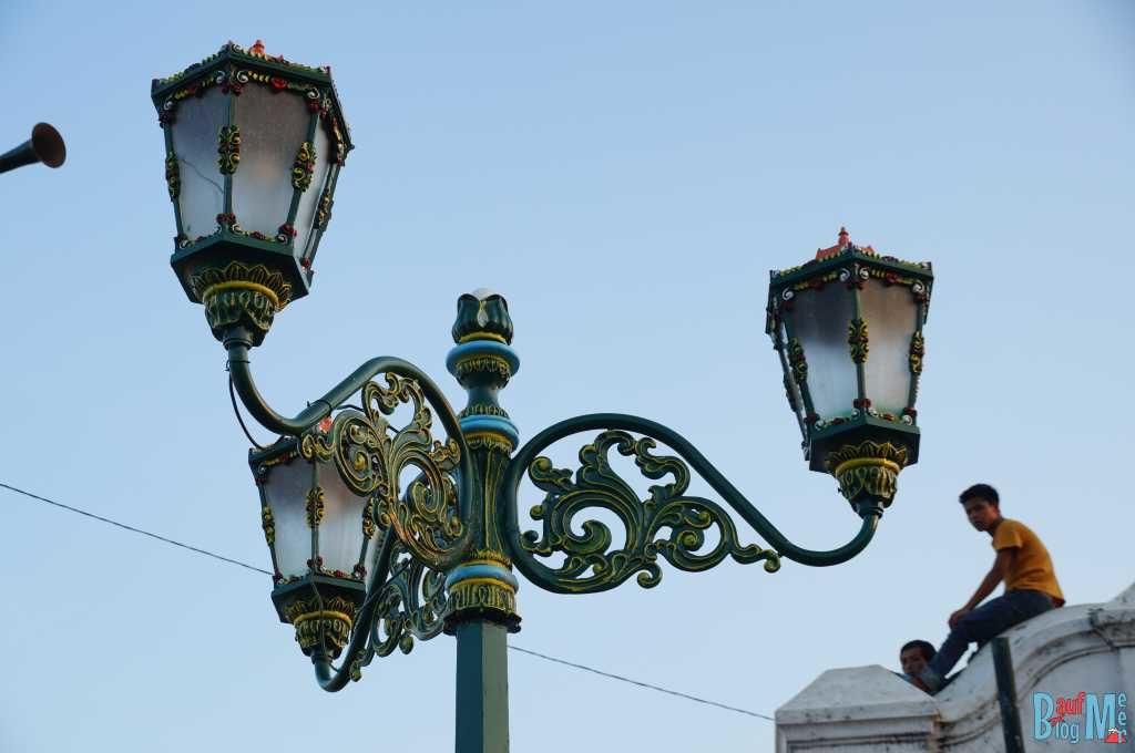 Straßenlampe in Yogyakarta
