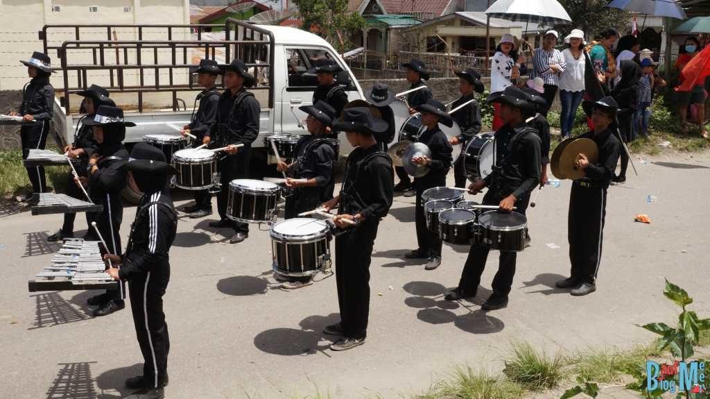 Kapelle bei der Parade zum Unabhängigkeitstag Indonesiens in Berastagi