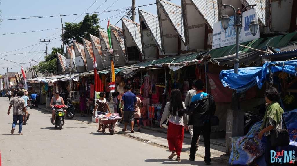 Touristenmarkt in TukTuk Siadong