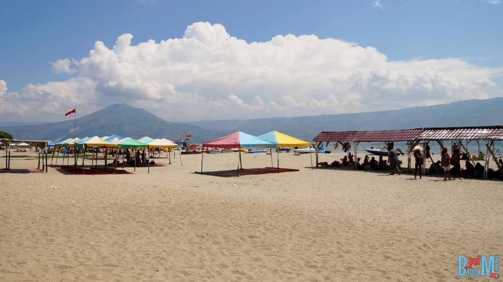 Strand (Pantai) Pasi Putih Parbaba