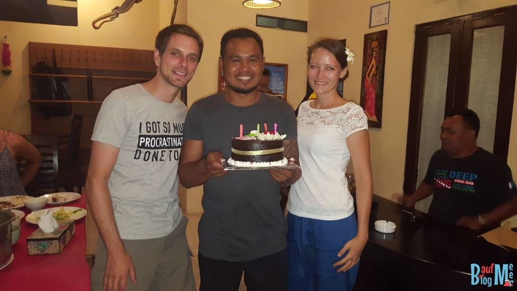 Wir mit Geburtstagskind und Torte