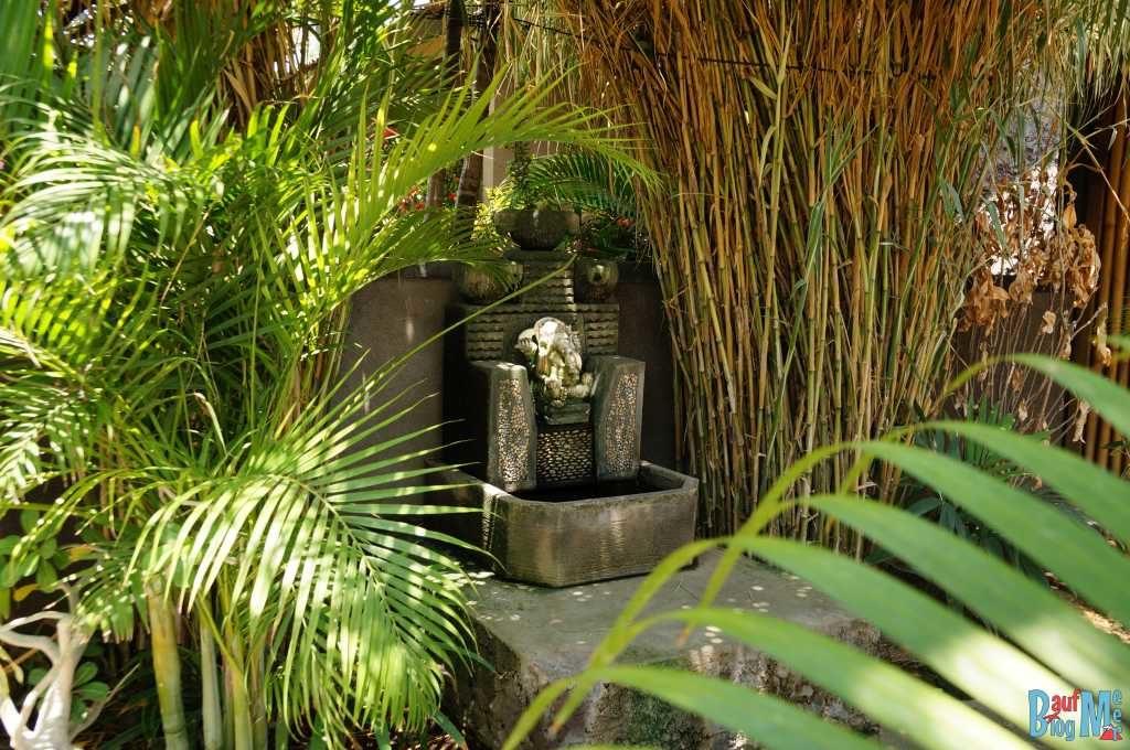 Bali ist: Tolle Homestays. Brunnen Schrein in Molas Homestay