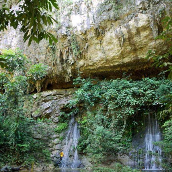 Paku Wasserfall im Gunung Mulu Nationalpark