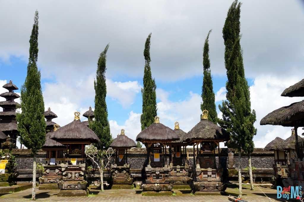 Bali ist: Tempel