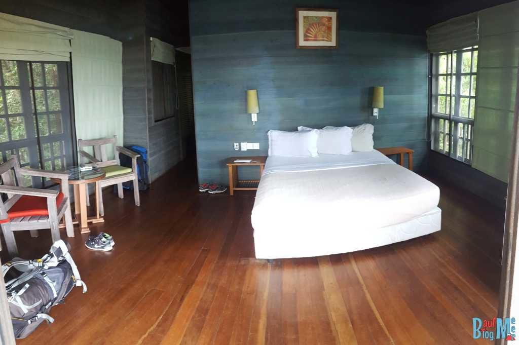 Zimmer im Baumhaus im Permai Rainforest Resort am Damai Beach