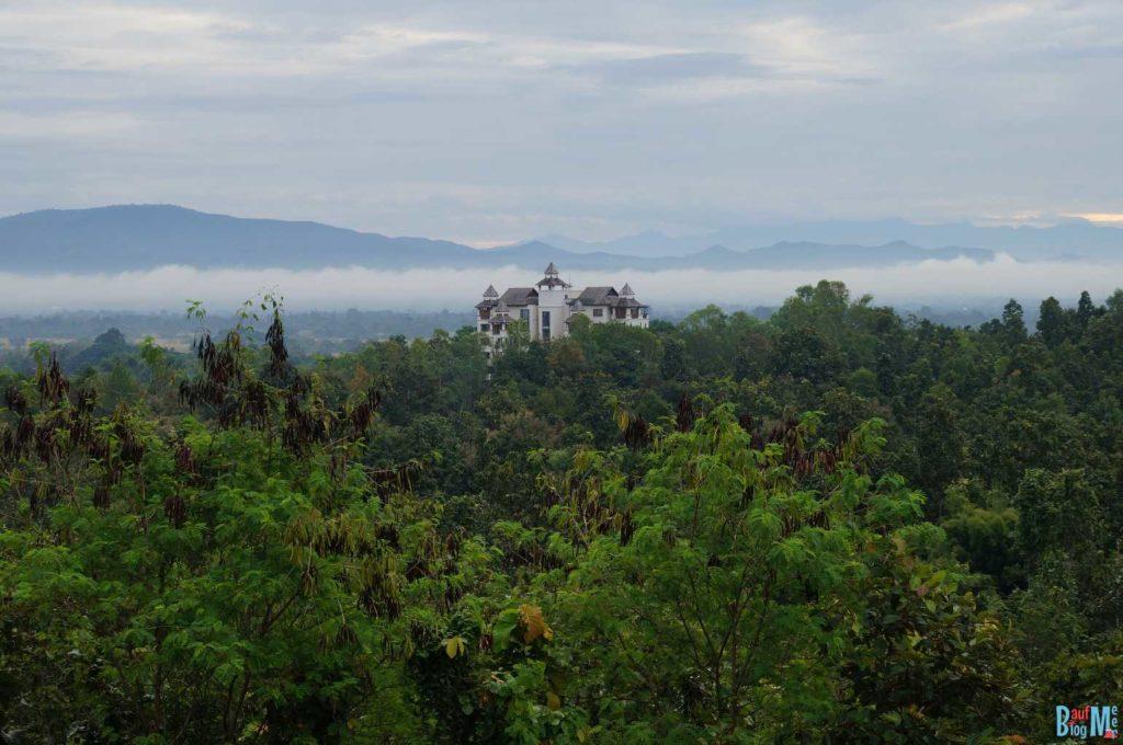 Ausblick von der Terasse des Amaravati Ashrams