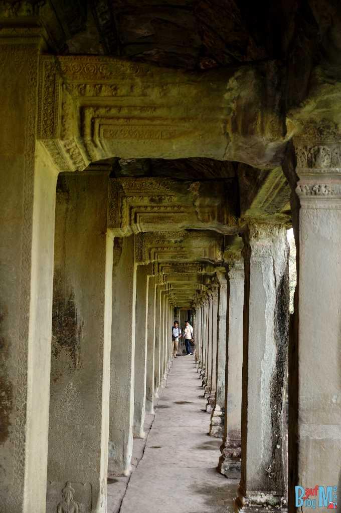 Gang in der Süd Gallerie in Angkor Wat
