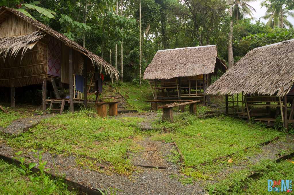 Kleine Hütten (nicht die Chalets) im Tampat do Aman