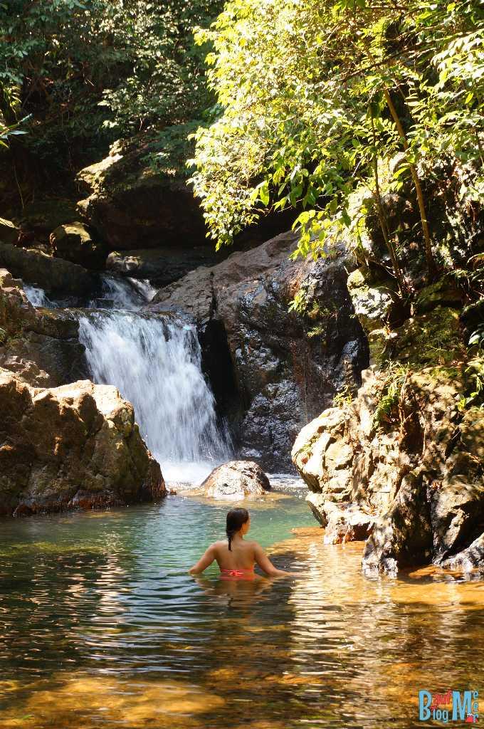 Oberes Becken des Thanmayom Wasserfalls