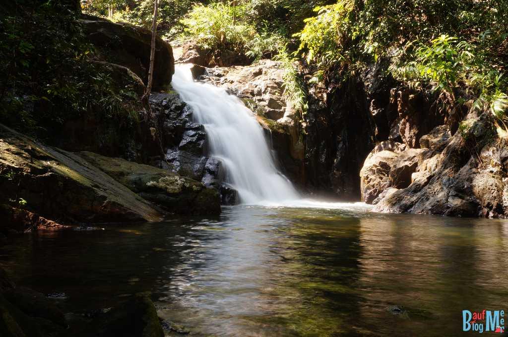 Unteres Becken des Thanmayom Wasserfalls