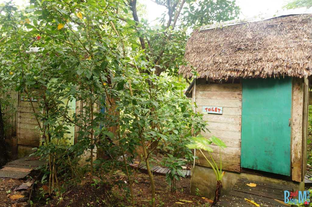 Toiletten Häusschen im Tampat do Aman