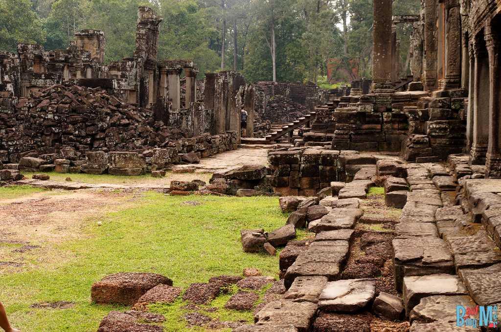 Trümmer in den Ruinen des Bayon Tempels