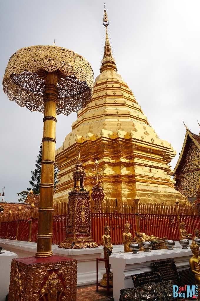 Vergoldeter Chedi im Wat Phra That Doi Suthep