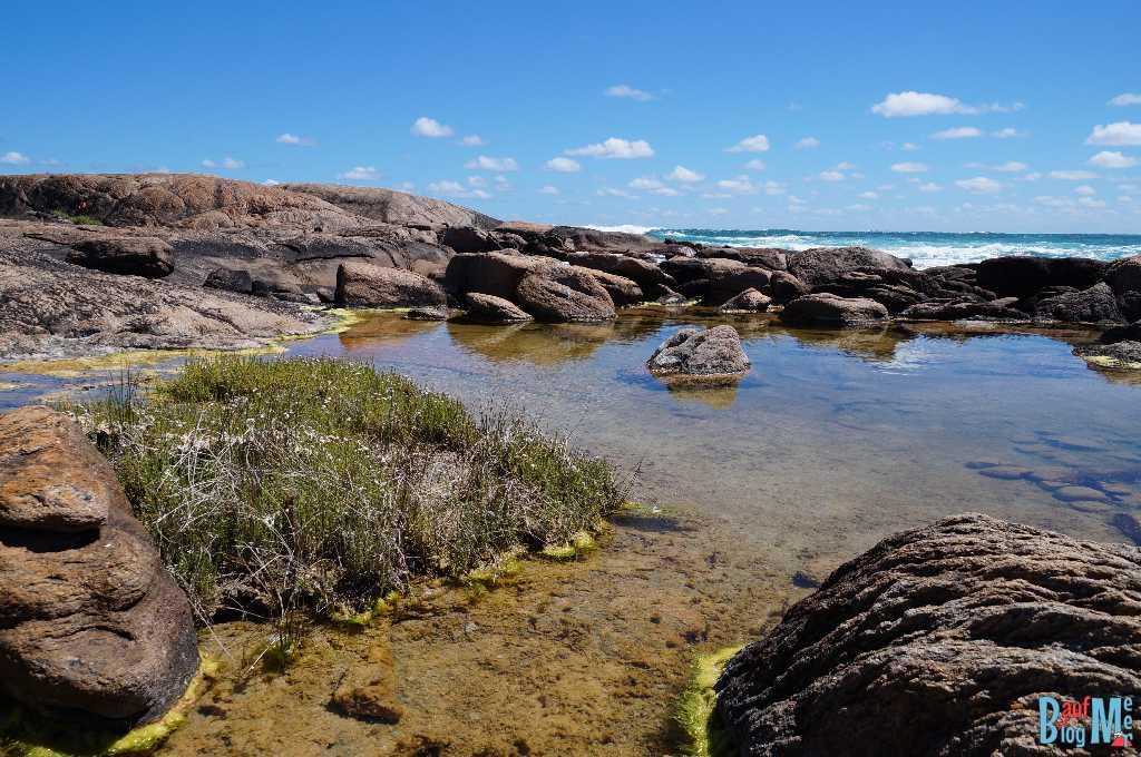 Felsen in einer Bucht beim Cape Leeuwin