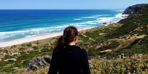 Anna am Aussichtspunt auf den Salmon Beach