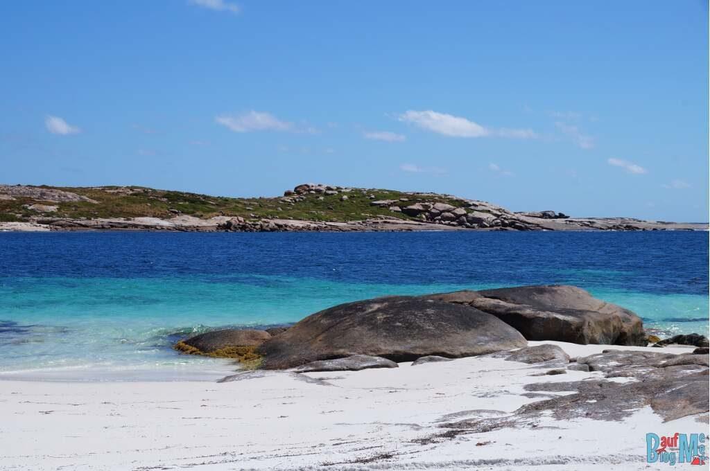 Ausblick auf die Insel vor dem little Wharton Beach