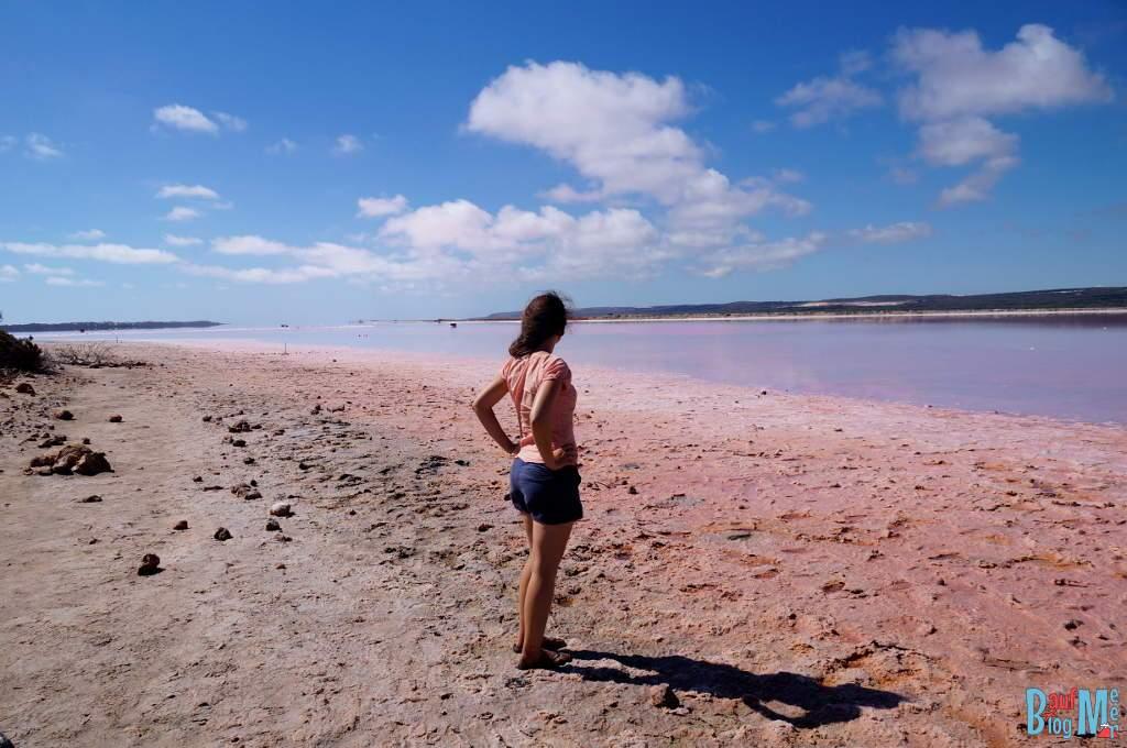 Anna am pinken See der Hutt Lagoon