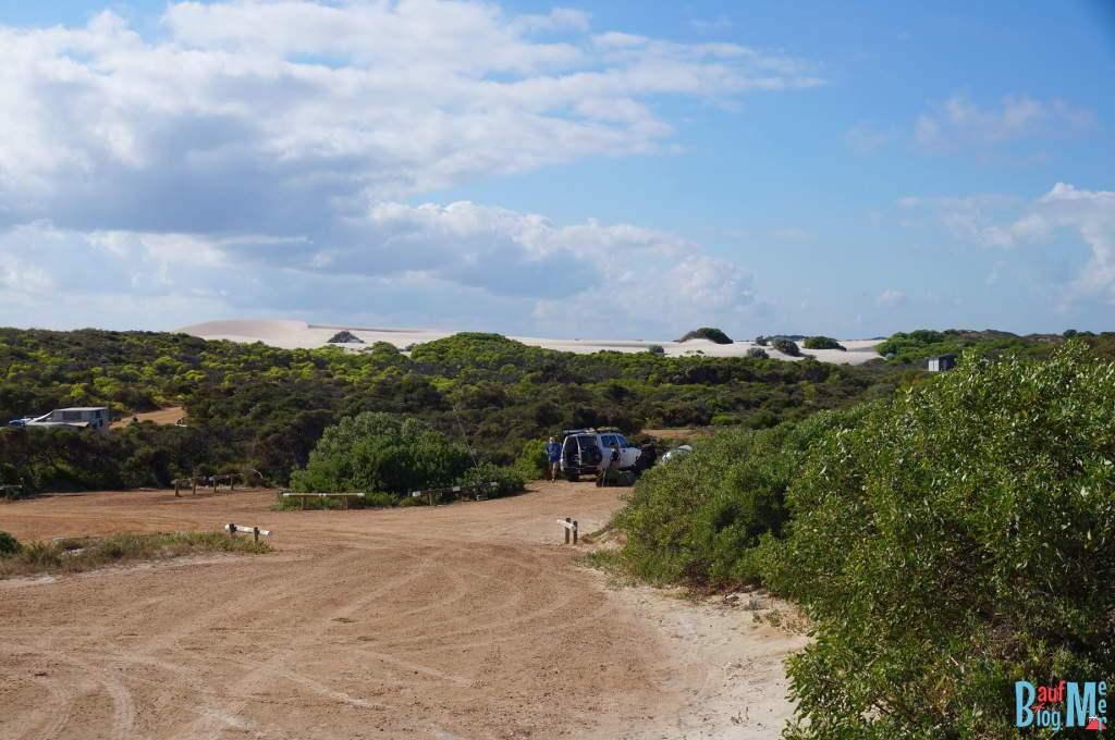 Ausblick von unserem Stellplatz auf einen Teil des Sandy Cape Camping Platz