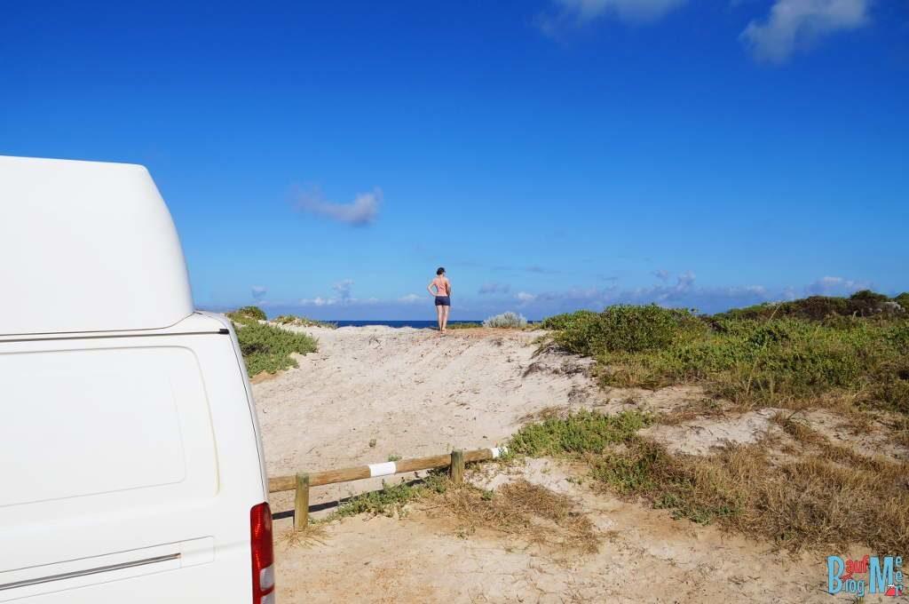 Unser Stellplatz und gleich dahinter die Düne und der perfekte Ausblick aufs Meer