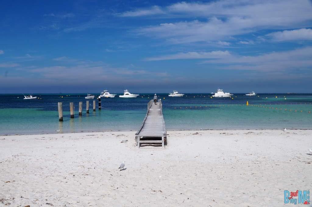 Steg am Strand der Thomson Bay auf Rottnest Island