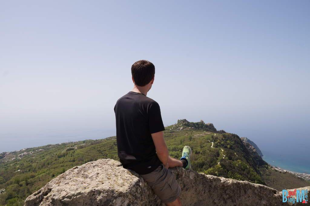 Auf dem Epomeo Gipfel der italienischen Insel Ischia