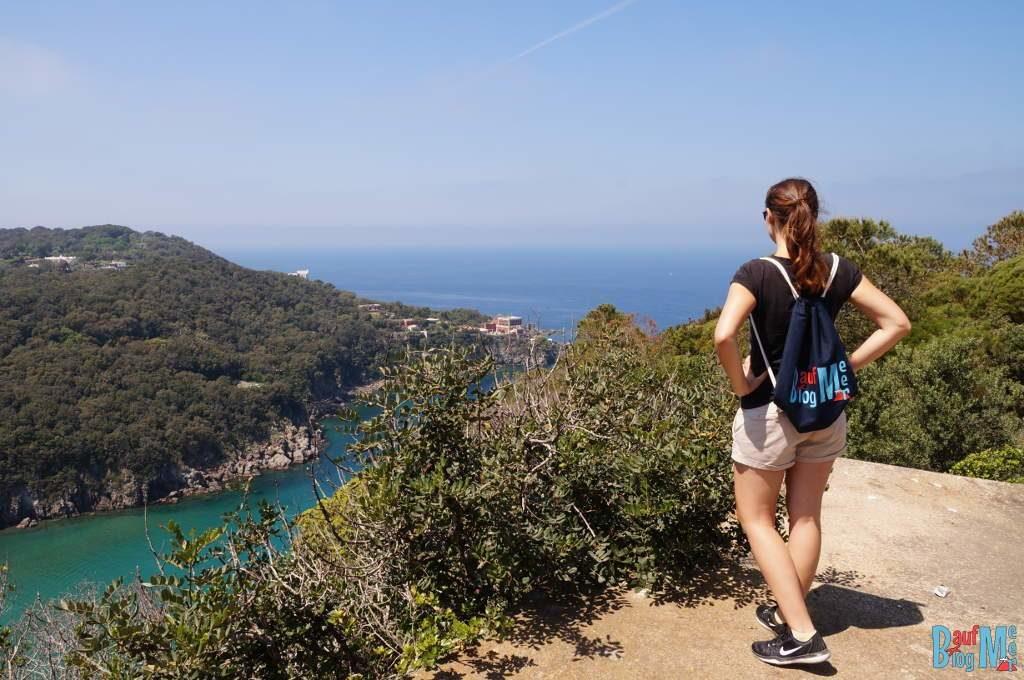 Aussicht auf die Negombo Bucht auf Ischia in Italien