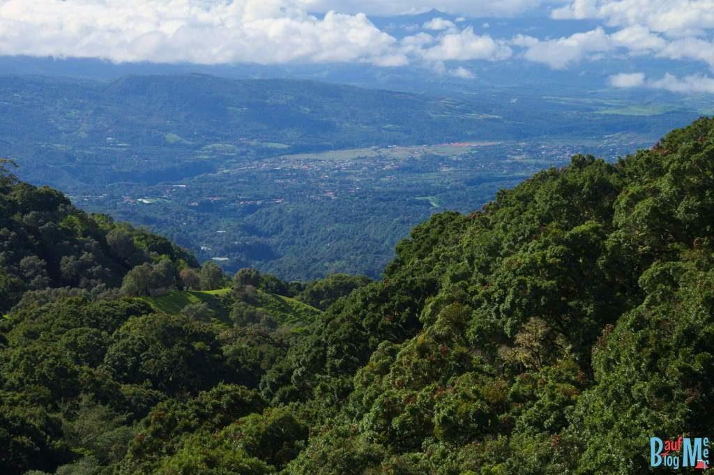 Ausblick beim Abstieg vom Volcan Baru