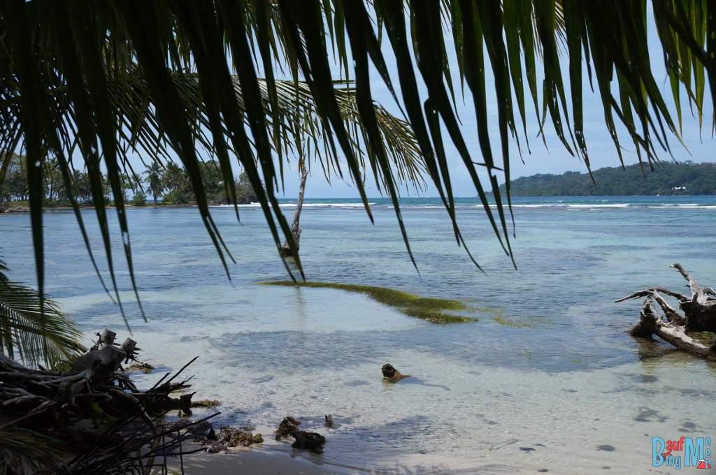 Meer bei der Isla Carenero zur Regenzeit