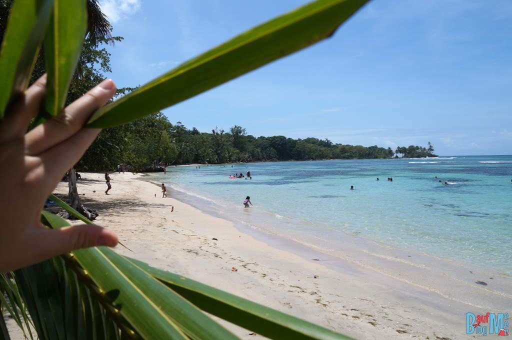 Playa Carenero auf Bocas del Toro zur Regenzeit