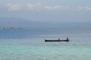Nach wie vor fischen die Kuna von Guny Yala mit ihren langen Kanus.