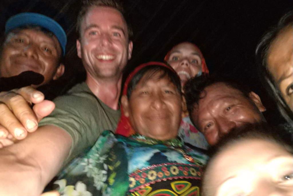 Selfie beim Feiern mit den Kuna in Guna Yala