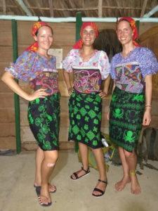 Kleidung der Kuna Frauen in Guna Yala