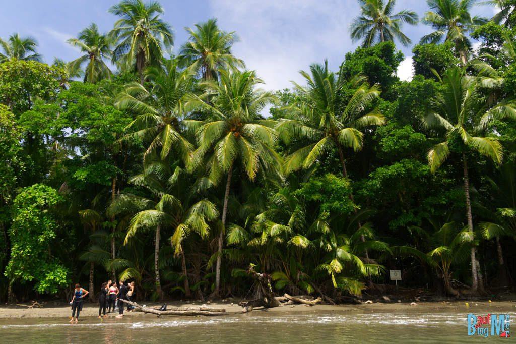 Tauchpause am Strand auf der Insel Coiba Panama