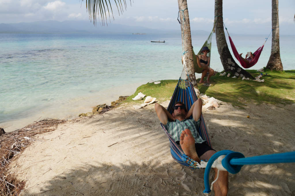 In der Hängematte entspannen auf den San Blas Inseln