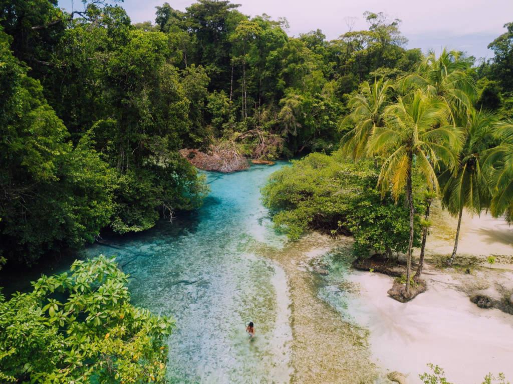 Isla Escudo: Bocas del Toro off the beaten path