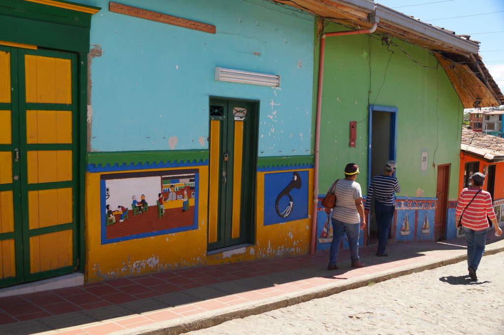 Gasse in Guatapé
