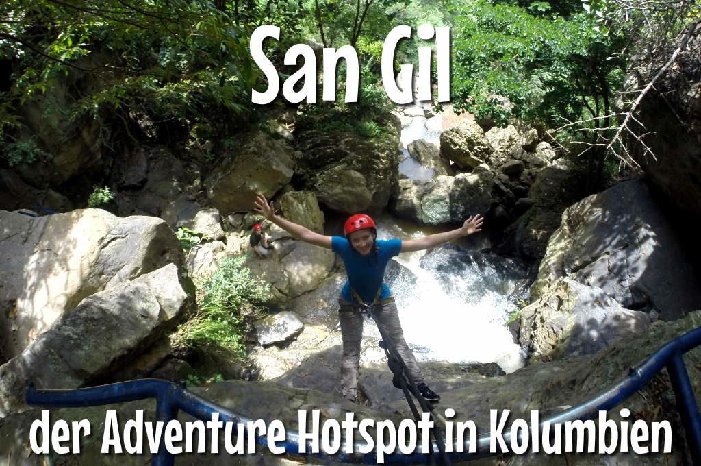 Anna beim Abseilen an einem Wasserfall bei San Gil