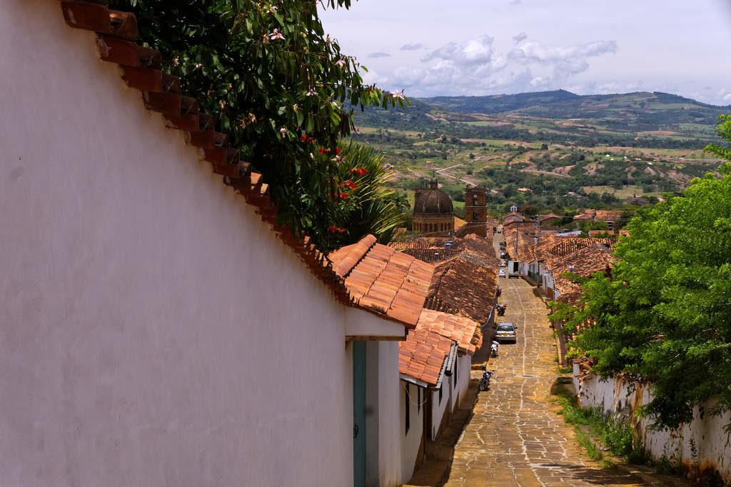 Straße und Ausschicht in Barichara im Bezirk Santander in Kolumbien
