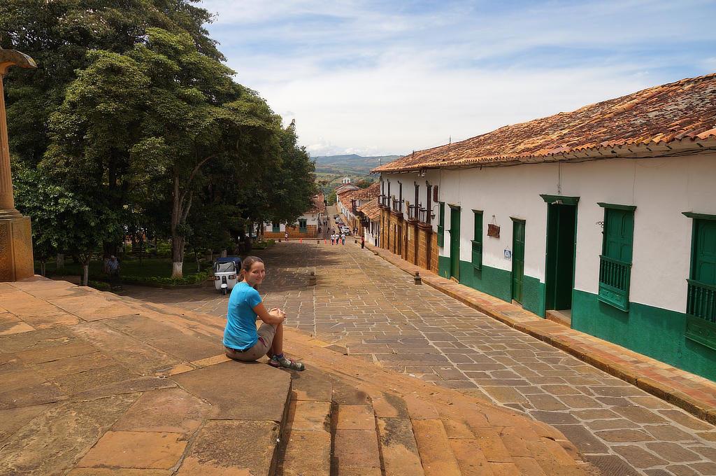 Anna am Hauptplatz in Barichara bei San Gil